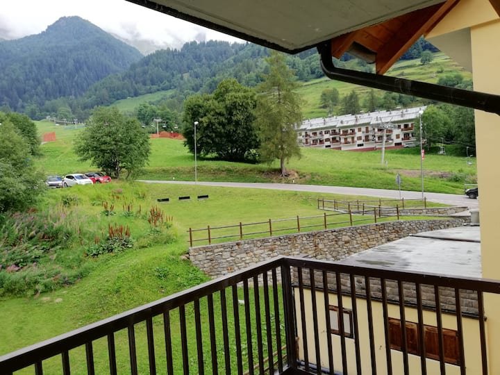 Apartment on Ski slope and meters from The SPA