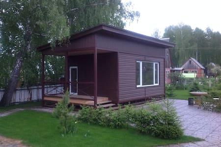 Academgorodok cheap&bed near museum - Srub