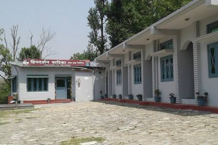 Rooms with view of Himalayas,Very Near to Ranikhet