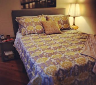 Spacious and Bright Room with Ensuite Bath - Cookeville - Ev