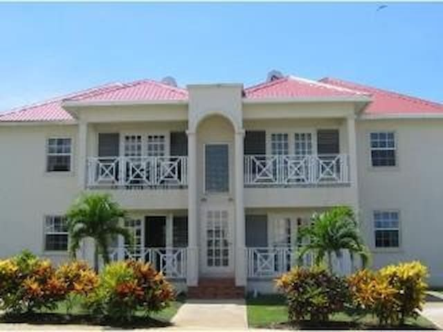 101 Crystal Court St.James Barbados - Clermont - Flat