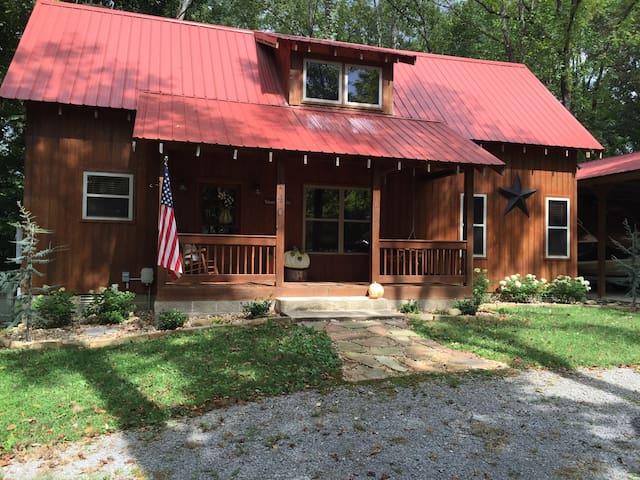 Modern Cabin in Centerhill Shores - Smithville