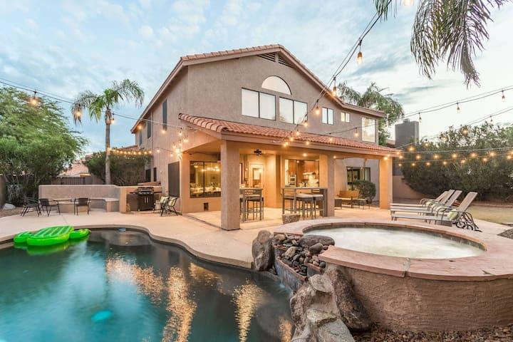 Scottsdale Big House - Sleeps 30 - 6bed/4ba - Very Clean