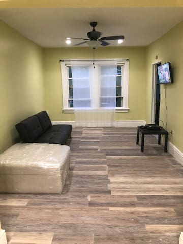 2nd Flr, private bathroom & kitchen, close to nyc