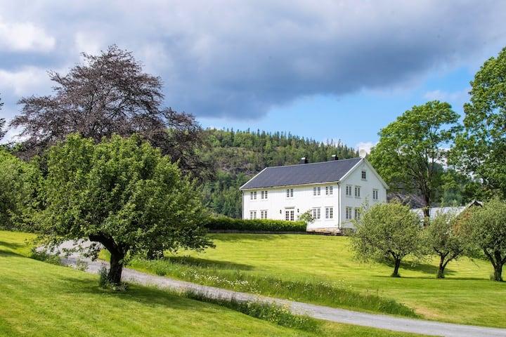 Farm Stay in beautiful surroundings