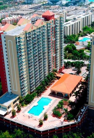 5* Luxury home, 1/1 bedroom - Sunny Isles Beach