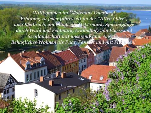 """Gästehaus  Oderberg   """"Zum Anker"""" am Wasser"""