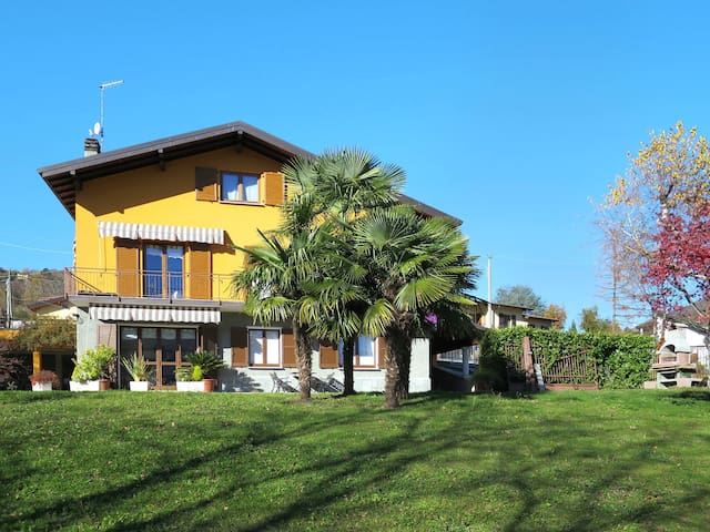 Holiday apartment in Cerano d'Intelvi (CO)