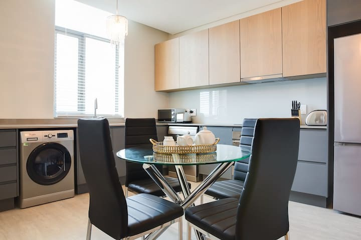Fully Equipped Kitchen with washer and dryer