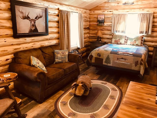 Peaceful Log Cabin in the Woods - Moose Cabin #3