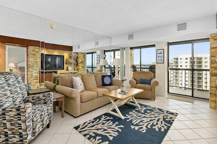 Beautiful 2 Bedroom Condo in an Amazing Braemar Towers Resort Setting & Ocean Views