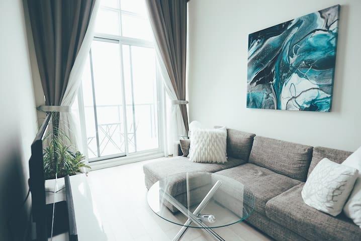 Cozy, bright LOFT in the heart of Liberty Village - Toronto - Apartment