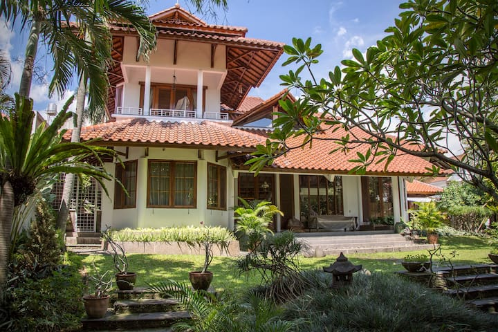 Serene Villa in South Jakarta, PERFECT for Events