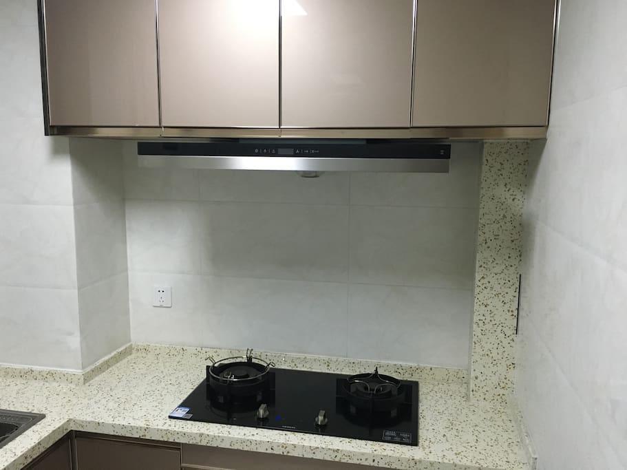 厨房配备西门子油烟机