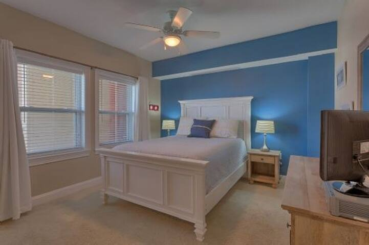 Brand New to the Rental Program in 2011 and located on the 3rd floor of the east side of Paradise Shores ~ Paradise Shores 310