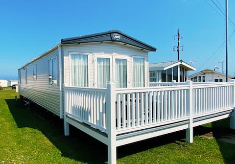 Canny-Van - a luxury, cosy holiday home by the sea