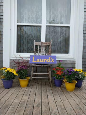 Laurel's Bed and Breakfast Home Stays