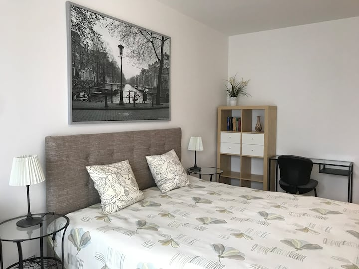 Luxury 3-bedroom apartment in the center of Prague 120 m2 with balcony