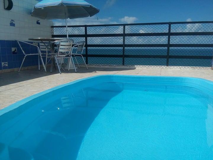 Cobertura: 3/4 com piscina privativa e vista mar