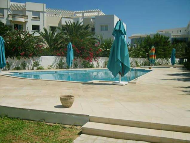 Bel appartement 200 m de la Plages - Yasmine Hammamet - Apartamento