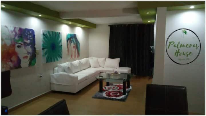 Palmeras House Aguada Wifi/AC. 5 minutes to Rincón