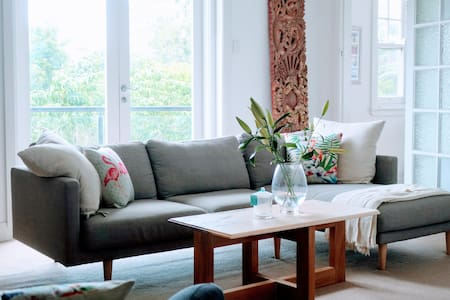 Bright and Airy Haven 10 mins walk to Manly - 曼利 - 公寓