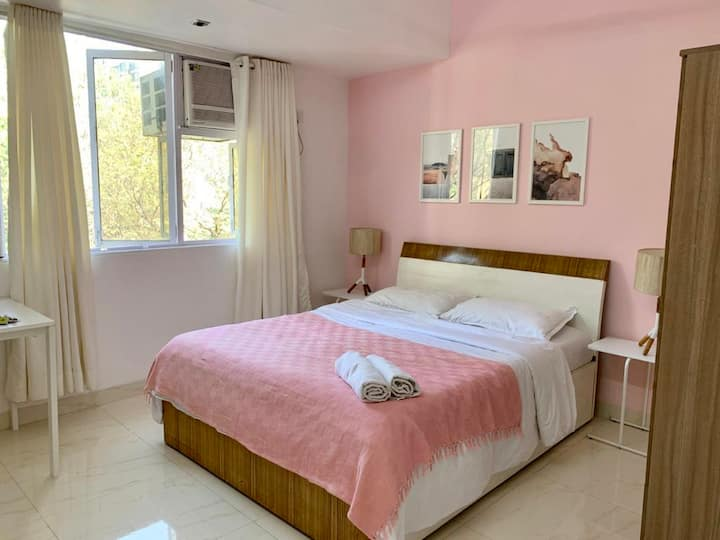 Pink Private Room   Bandra West