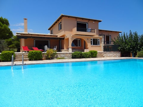 Villa Hera, luxurious vacations at Cape Sounion