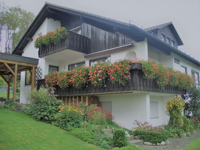Ferienwohnungen Erna Franz, (Bad Waldsee), Ferienwohnung 2, 56qm, 1 Schlafzimmer, max. 2 Personen