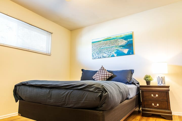 Sunny Palo Alto Two Bed