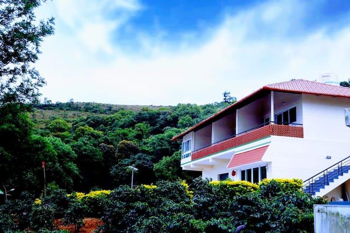 Mullayyanagiri Homestay - Hilltop Homestay in CKM