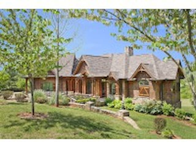 Tryon Resort Youngs Fort- 7BR/6.5BA Executive Home