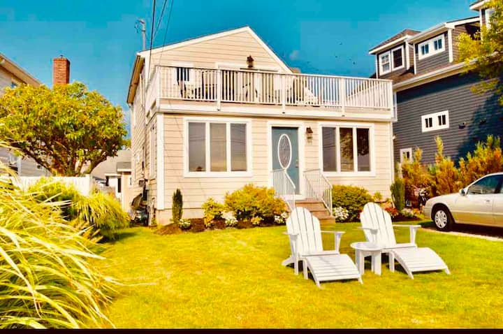 Waterfront home on the Manasquan Glimmerglass!