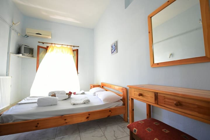 Nikos house apartments zacharo beach