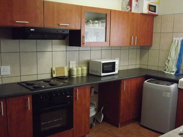Cosy 2 bedroomed self catering flat - Long Beach,Walvis Bay - Lägenhet