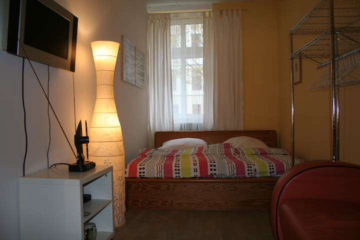 City flat for 2 people, in Mitte