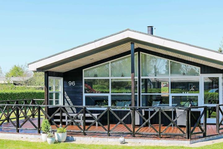 Maison de vacances moderne en bord de mer dans le Jutland