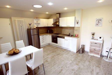 50 m², gemütlich, modern eingerichtete Wohnung - Bad Camberg