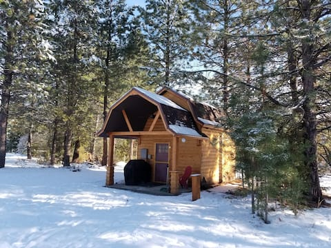 The Bunkhouse: Not too Rustic Cabin in the Woods