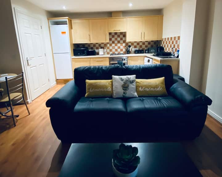 Stylish Two Bedroom Apartment - Coventry Centre