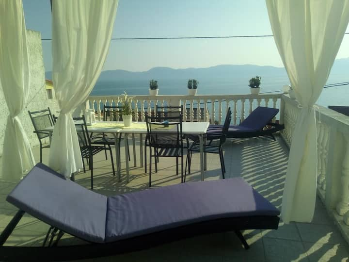 Three bedroom apartment with terrace and sea view Brist, Makarska (A-11039-b)