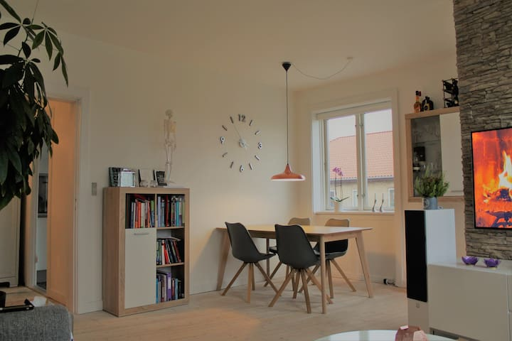 Beautiful quiet flat, metro nearby - Vanløse - Flat