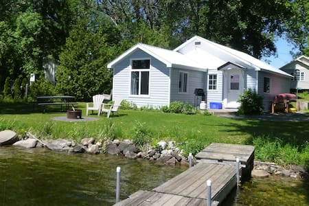 Enjoy Sunsets at quaint Fully Equipped 2BR Cottage