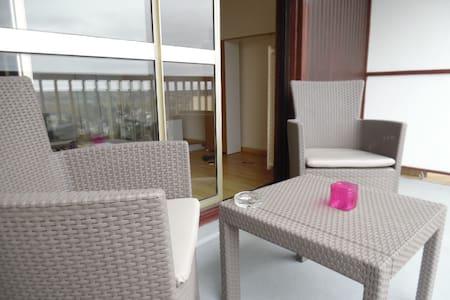 Studio fonctionnel, balcon agréable - Montrichard - Flat