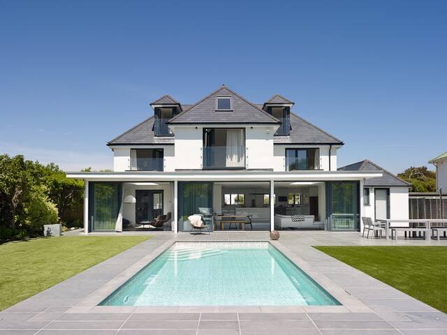 Luxury, contemporary seaside house