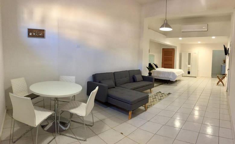 Casa Aurora #4 Studio