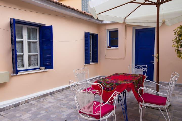 Traditional  3 bedroom house&garden - Argostoli - Rumah