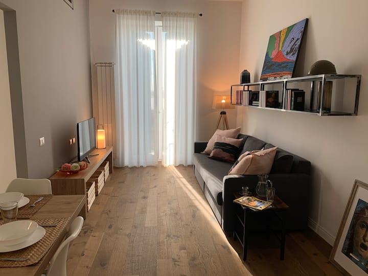 Intero Nuovo Appartamento nel Centro di Napoli