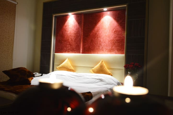Serviced Studio in Hamra (Phone number hidden by Airbnb)
