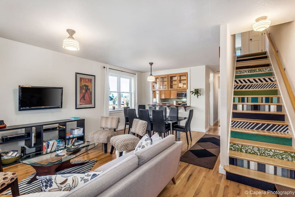 Welcome to the Alberta Arts District- The Gingko GuestHouse is the place to be in Portland!  Craftsman Styling With Modern Comfort. Our 5BR/4BA Remodeled & Permitted home is right in the center of the district's best food, art and cultural offerings